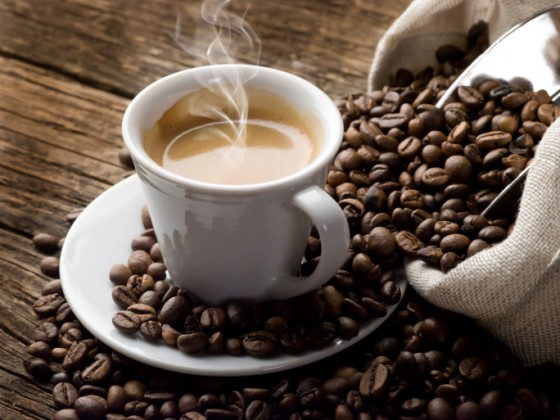caffeina benefici e rischi
