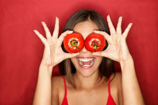 cibi abbronzatura pomodori