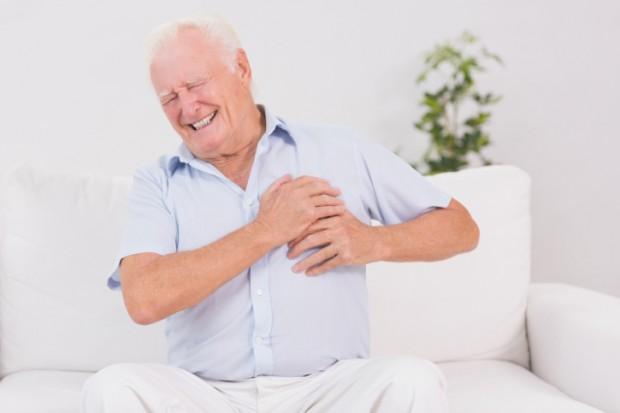 come riconoscere i sintomi di un infarto