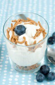 colazione yogurt greco cereali