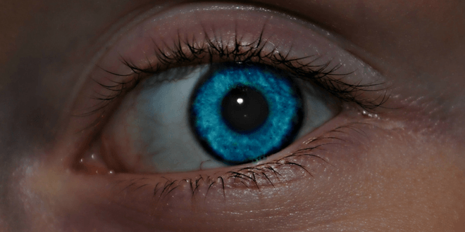 schiarire il colore degli occhi