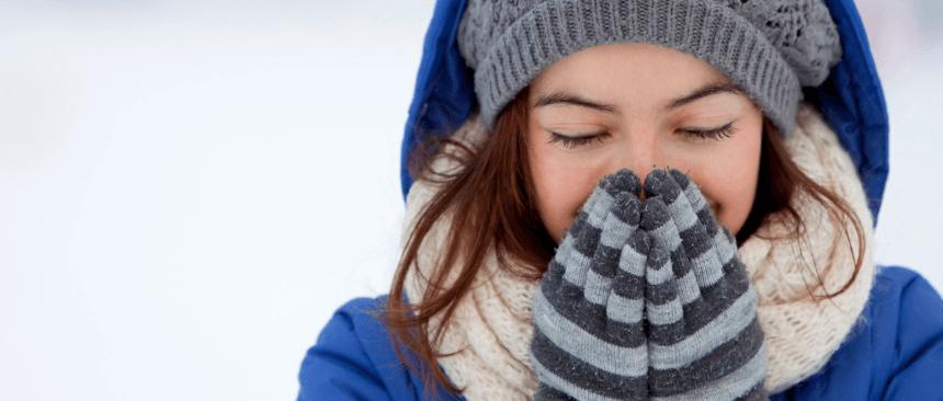 raffreddore tutto l'anno ragazza raffreddata