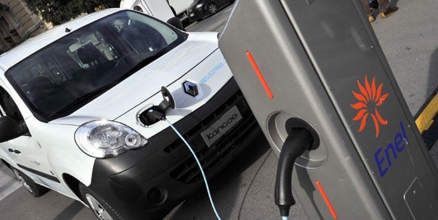 auto elettrica Bari
