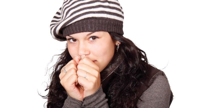 fermare il naso che cola per il raffreddore